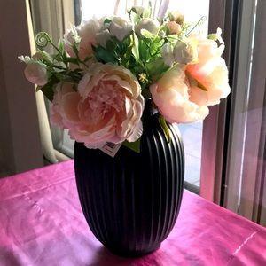 Flower Arrangement/ Artificial flowers in vase